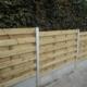 Photo d'une palissade bois Eco T2 avec soubassements béton