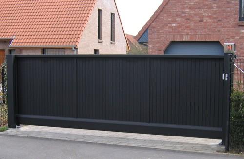 Photo d'un portail alu autoportant ral 7016 gris anthracite