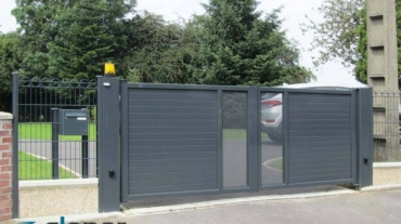 Photo d'un portail battant alu ral 7016 gris anthracite
