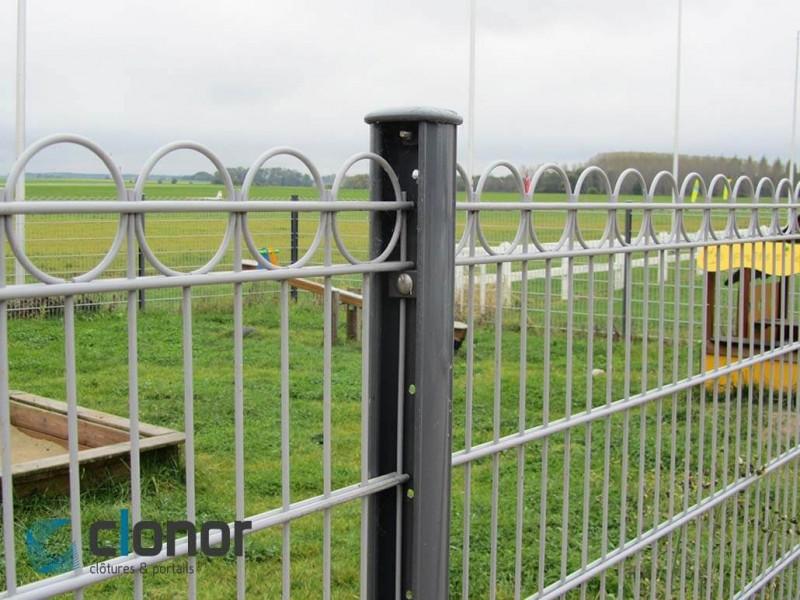 Clôture rigide avec panneaux anno et poteaux cloplus 75