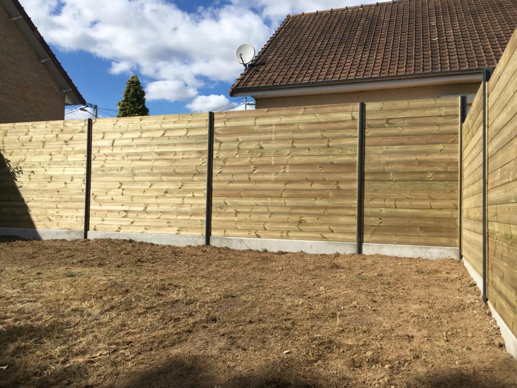 Clôture bois avec lame emboitée et poteau aluminium