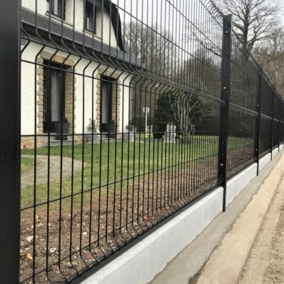 Pose de clôture rigide avec arrachage de la haie